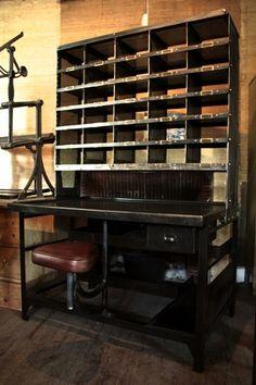 interior design | decoration | home decor | vintage furniture | Bureau de tri postal