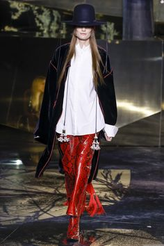 H&M Fall 2016 Ready-to-Wear Fashion Show