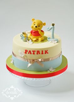 Winnie The Pooh On Cake Central 1st Birthday Themes Themed Cakes Boy First