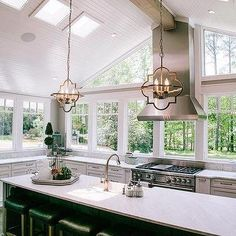 Pretty Kitchen Ceiling Lighting Design Ideas 10 1 - Home Interior and Design Farmhouse Kitchen Decor, Home Decor Kitchen, Home Kitchens, Kitchen Stove, New Kitchen, Kitchen Black, Awesome Kitchen, Home Renovation, Home Remodeling