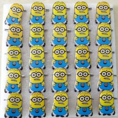 25pcs/lot Flashing Brooch Toys,Luminous Yellow Minions Shape Brooch LED Badge Kid's Toy for Halloween Party Decoration Supplies #Affiliate