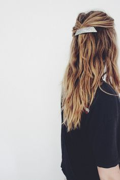 Long Hair Womens Styles : love that hair pin. Long hair half up half down hairdo. Looks Style, Looks Cool, Messy Hairstyles, Pretty Hairstyles, Cabelo Inspo, Good Hair Day, Bad Hair, Hair Dos, Gorgeous Hair