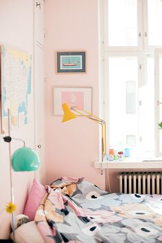 Baby pink walls & awesome lamps // Inspiring Ways to Use Pink in Every Room of the Home Home Bedroom, Room Inspiration, Interior Inspiration, Interior, Pastel Bedroom, Bedroom Decor, Home Decor, House Interior, Room Decor
