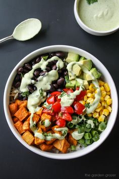 Mexican Sweet Potato Bowl with Cashew-Lime Cream Vegan Black Bean Recipes, Vegan Mexican Recipes, Meatless Recipes, Best Vegan Recipes, Clean Eating Recipes, Easy Healthy Recipes, Vegetable Recipes, Healthy Meals, Whole Food Recipes