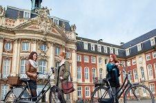 Münster - Stadt der Studenten und Deutschlands fahrradfreundlichste Stadt. Foto: WWU/Judith Kraft