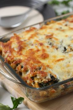 Creamy portobello and kale quinoa bake - beautifully creamy but still packed with nutrients! - made this and loved it, took a bit longer than expected but was great and light, I could have eaten the whole batch! Veggie Recipes, Great Recipes, Vegetarian Recipes, Favorite Recipes, Healthy Recipes, Veggie Meals, Veggie Food, Mushroom Recipes, Veggie Dishes