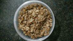 Marmitinha vegan de arroz integral com lentilha.