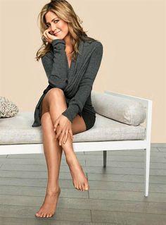 Jennifer Aniston - Long Hot Legs