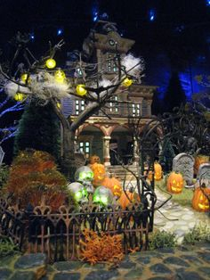 Image detail for -Halloween Village Displays Spooky Halloween, Halloween Diorama, Halloween Village Display, Holidays Halloween, Happy Halloween, Halloween Decorations, Haunted Dollhouse, Department 56, Google Images
