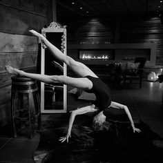 Simple Style, Ibiza, Schedule, Ballet Shoes, Dancer, Believe, Art Gallery, Photoshoot, Contemporary