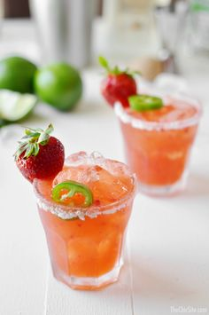 Strawberry Jalapeño Margarita - This spicy cocktail is perfect on a hot summer day. Image via The Chic Site. Party Drinks, Cocktail Drinks, Fun Drinks, Cocktail Recipes, Alcoholic Drinks, Beverages, Margarita Cocktail, Tequila, Strawberry Cocktails