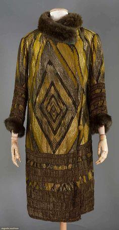 DECO PATTERNED LAME COAT, 1920s