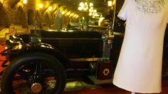 El modisto Javier Barroeta expone hasta el 10 de junio sus modelos en la Torre de Loizaga