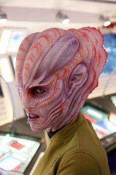 "Joel Harlow's amazing species designs for ""Star Trek Beyond"" Face Off Makeup, Makeup Fx, Scary Makeup, Body Makeup, Special Makeup, Special Effects Makeup, Creature Feature, Creature Design, Dragon Makeup"