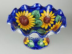 MEXICO POTTERY CERAMIC LARGE SUNFLOWER COMPOTE PEDESTAL CHIP SERVING BOWL DISH | eBay http://www.ebay.com/itm/MEXICO-POTTERY-CERAMIC-LARGE-SUNFLOWER-COMPOTE-PEDESTAL-CHIP-SERVING-BOWL-DISH-/300736503660?pt=LH_DefaultDomain_0=item46054adf6c#