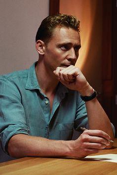 Tom Hiddleston, The Night Manager. Full size image: http://cimg.tvgcdn.net/i/2016/03/02/c0c4bd6c-9ae2-408c-89d2-590c6b0eb652/20150610amcnightmanager1066-copyf2.jpg Source: http://www.tvguide.com/news/tom-hiddleston-hugh-laurie-the-night-manager-photos/
