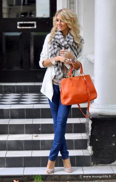 casual outfit: blue jeans, white coat, striped grey scarf, orange purse and nude shoes. The perfect outfit for a sunny spring day. Fall Outfits, Casual Outfits, Cute Outfits, Looks Style, Style Me, Orange Purse, Orange Handbag, Mode Inspiration, Look Fashion
