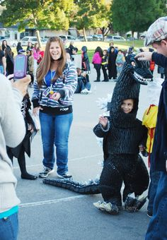 waving to his fans LOL Godzilla, Making Out, Fans, Winter Jackets, Husband, Costumes, Fashion, Winter Coats, Moda