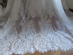 Elegant Chantilly Fabric Off white Floral Lace Eyelash Trim Edging Fabrics for Bridesmaid's Gown, Christening, Bridal Dress