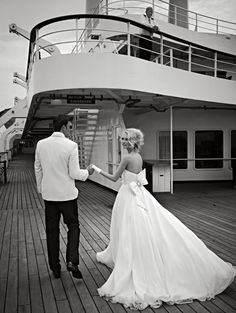 Thanksfun wedding idea if u r getting married on a yacht or cruise ship! awesome pin