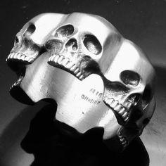 MJG Silver men's 6 skull ring Men's Jewelry Rings, Skull Jewelry, Gothic Jewelry, Jewelery, Jewelry Accessories, Memento Mori, Skull Wedding, Biker Rings, Mode Masculine