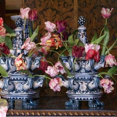 Blue And White China, Blue China, Tulips In Vase, Flower Vases, Botanical Bedroom, Monochromatic Room, Scenic Wallpaper, Blue Tones, Eclectic Decor