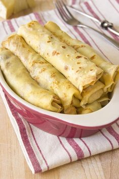 Beer Crepes filled with Smoked Gouda and Mushrooms - Viva La Food Food Recipes Healthy, Food Recipes Homemade Crepes And Waffles, Savory Crepes, Dinner Pancakes, Smoked Cheese, Smoked Gouda, Beer Recipes, Cooking Recipes, Crepes Rellenos, Crepes Filling