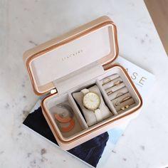 Travel Jewellery Box, Jewellery Boxes, Jewellery Storage, Jewelry Travel Case, Jewellery Showroom, Diy Jewellery, Jewelry Case, Jewelry Box, Travel Box