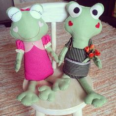Sapinhos apaixonados - feltro handmade .