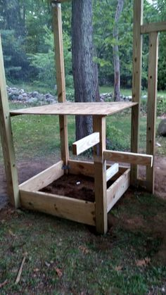Dust bath box / Chicken tree/ shelf  Chicken coop/ Chicken run