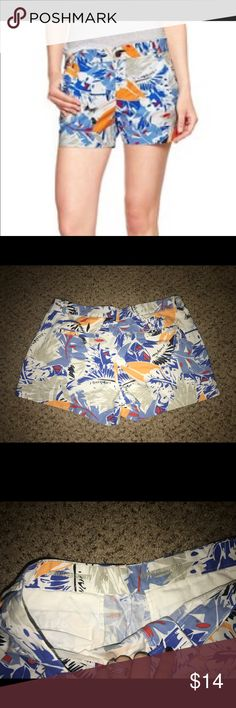 Gap women's sun kissed floral shorts 6 Excellent condition. Smoke free pet free home. So cute! Please see my other similar listings! GAP Shorts