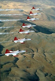 "Turkish Air Force ""Turkish Stars"" Northrop/Canadair Freedom Fighters :-)Did. Turkish Soldiers, Turkish Army, Air Force, Aerial Acrobatics, Airplane Fighter, Aircraft Parts, Aircraft Painting, Freedom Fighters, All Nature"