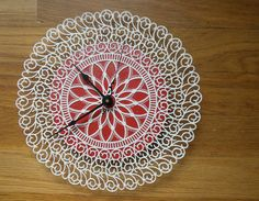 Doily clock....been wanting to make one of these for some time now! Found the plastic doily-just need to do it!