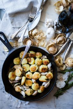 the perfect roast potatoes | http://fortheloveofthesouth.com