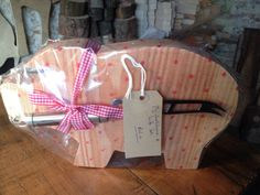 Pig cheeseboard and knife set. Already wrapped. £25.00
