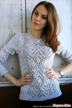 Пуловер с красивой узорной вставкой. Спицы.
