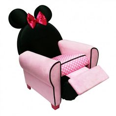 Best Gifts for 3 Year Old Girls- or for a 17 year old Disney Furniture, Kids Furniture, Gifts For 3 Year Old Girls, Disney Rooms, Disney House, Delta Children, Disney Home Decor, Baby Disney, Disney Fun