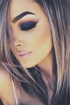 21 sexy smokey eye makeup ideas to help keep his attention on . - 21 sexy smokey eye makeup ideas to help you draw his attention ★ see more: gl … – - Sexy Smokey Eye, Smokey Eye Makeup, Skin Makeup, Smoky Eye, Navy Eye Makeup, Makeup Goals, Makeup Tips, Beauty Makeup, Hair Beauty