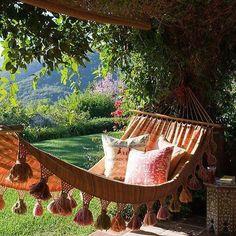 10 hamacas para relajarse este verano / 10 relax hammok for the summer… Outdoor Rooms, Outdoor Gardens, Outdoor Living, Outdoor Decor, Outdoor Life, Love Home, My Dream Home, Dream Garden, Home And Garden