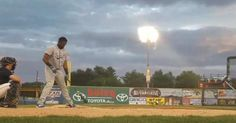 Cubs prospect Eloy Jimenez smashes a stadium light with home run - June 2017 Baseball Movies, Baseball Playoffs, Sports Headlines, The Outfield, Toronto Blue Jays, Baseball Field, Baseball Hat, Chicago Cubs, Running
