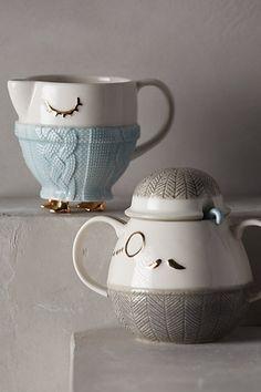 Cozy Carolers Sugar & Creamer