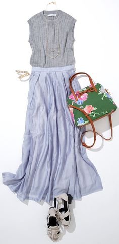 look with contrast print bag Colorful Fashion, Cute Fashion, Spring Fashion, Womens Fashion, Summer Office Outfits, School Dresses, Japanese Outfits, Japan Fashion, Everyday Fashion