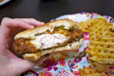 considering how much my husband loves Chik Fil A.Chik A FIl Copycat Spicy Chicken Sandwich Spicy Chicken Sandwiches, Chicken Sandwich Recipes, Wrap Sandwiches, Chick Fil A Sauce, Paleo, Restaurant Recipes, Love Food, Food Porn, Food And Drink