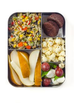 10 Prep-and-Pack Lunch Ideas That Aren't Sandwiches - Tia lunch - Bento Ideas Lunch Box Recipes, Lunch Snacks, Healthy Snacks, Snack Recipes, Healthy Recipes, Lunch Ideas, Bento Lunchbox, Box Lunches, Detox Recipes