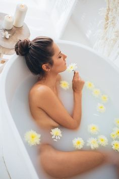 Milk Bath Photography, Nude Photography, Lightroom, Photoshop Actions, Camara Canon Eos, Peau D'orange, Software, Stress Relief Tips, Thing 1