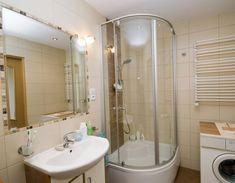 Ванная комната дизайн с душевой кабиной стиральной машиной унитазом