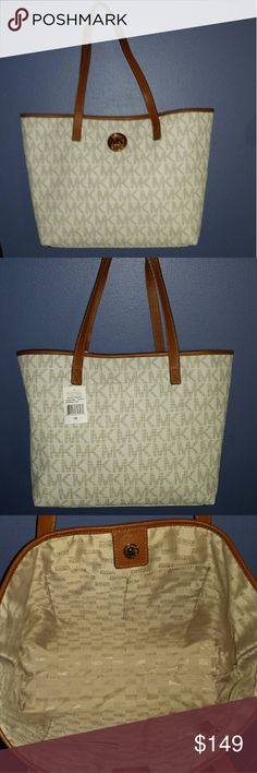 Michael Kors Vanilla Tote with back outside Pouch! NWTS!  SNAPS CLOSED! Michael Kors Bags Totes