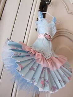 Sweet little paper dress:
