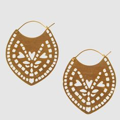 Joanna Cave earrings from Eco-Age Boutique. Ethically and sustainably made in Greece.