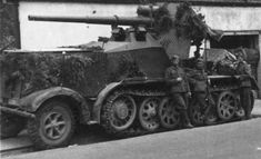 A 12 ton SdKfz 8 with mounted Flak 18 gun. By adding the gun and all added extra armor, the vehicle weighed 20 tons Army Vehicles, Armored Vehicles, Armoured Personnel Carrier, Tank Armor, Germany Ww2, Military Pictures, Armored Fighting Vehicle, Military Diorama, Big Guns